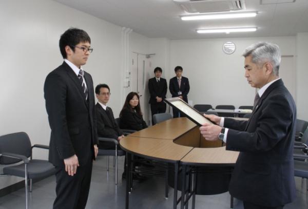 教育学部4年生の鈴木達也さんが...